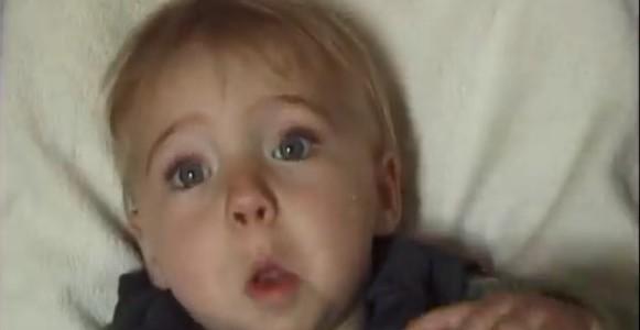 Il filme sa fille de la naissance à ses 16 ans en accéléré